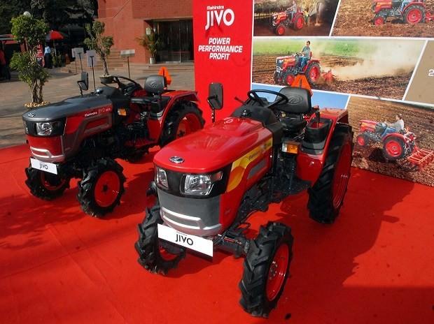 https://images.tractorgyan.com/uploads/1548059194-Mahindra-tractor-december-2018-tractorgyan.jpg